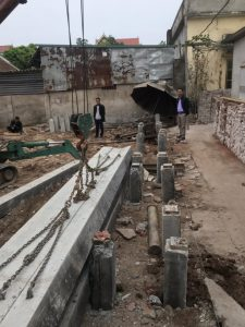 Thực hiện ép cọc bê tông cho ông Hùng tại Mỹ Hào Hưng Yên